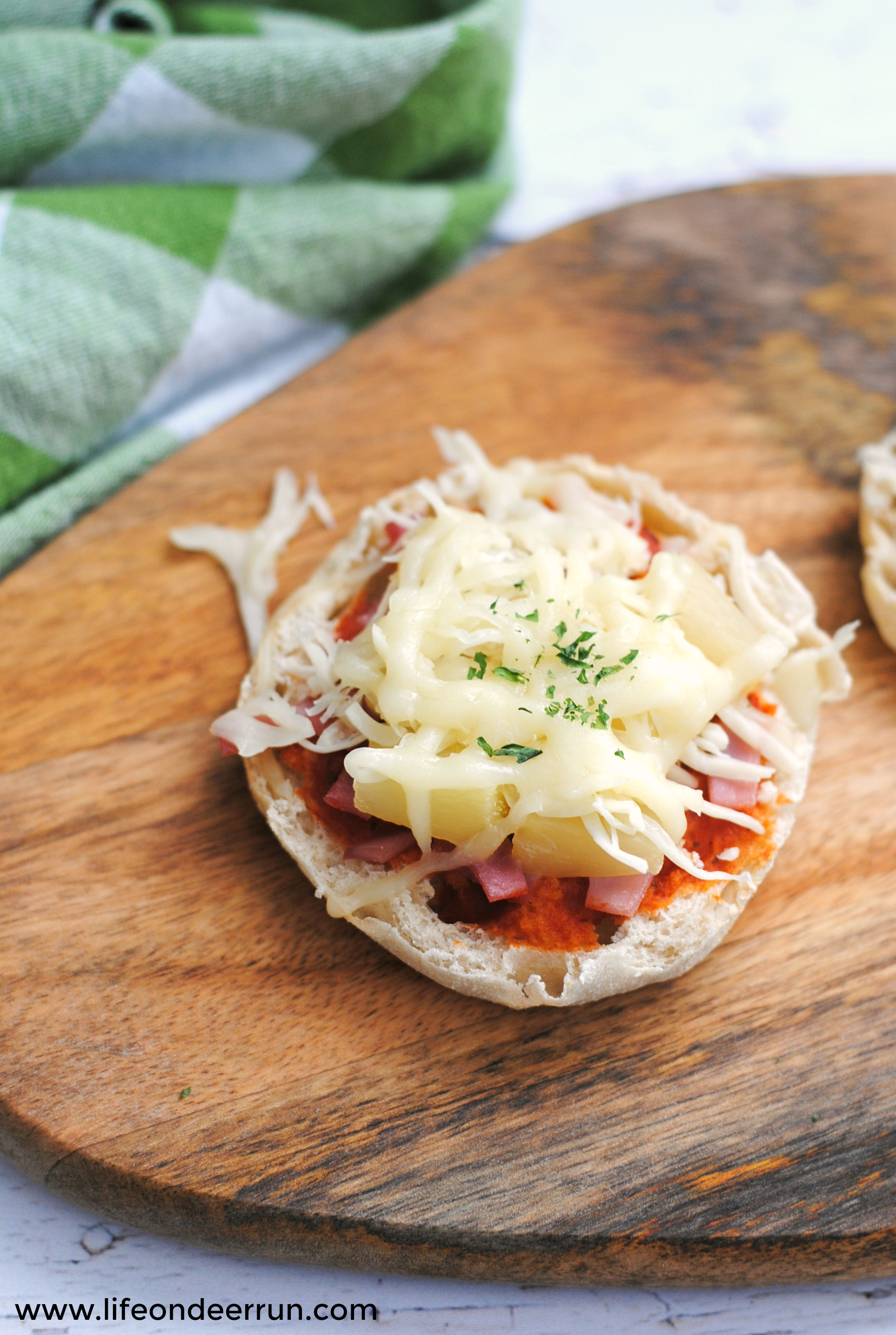 Weight Watchers Hawaiian English Muffin Pizzas